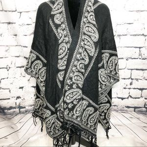 Paisley black and white wrap cape o/s
